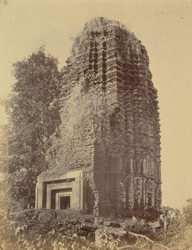 Front view of a large brick temple at Ranipur Jharia